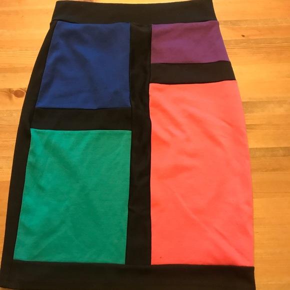 Forever 21 Dresses & Skirts - Body con Art Deco skirt